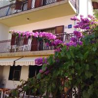 Apartments Mira Grebastica