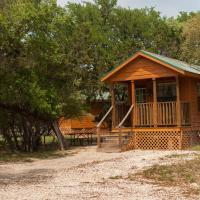 Medina Lake Camping Resort Cabin 4