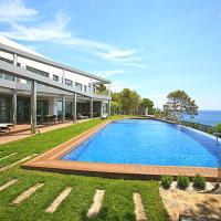 Luxury brand new villa on the first line from the sea