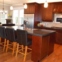 Beautiful 4BD Home by the Bay