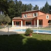 Spacious Villa with Swimming Pool - Chemin de la Souque