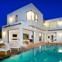 1069 - Beverly Modern Villa