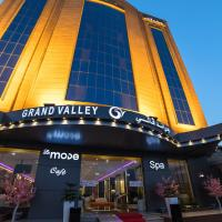 Grand Valley Hotel