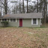 Quiet and Quaint Bungalow with lots of Acres