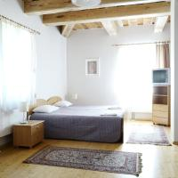 Guest House Karaimu 13