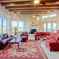 Dorthia Garden Retreat & Views Five-bedroom Holiday Home