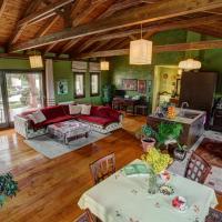 Elma's country house