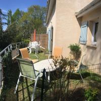 T3 en duplex avec jardin et piscine