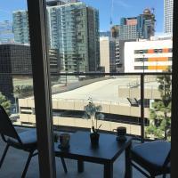 DTLA Luxury Suite with Balcony