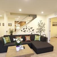 Spacious Private & Central Suite in South Cambie