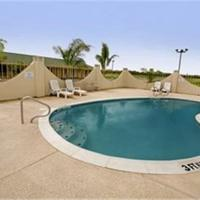 Riviera Inn and Suites