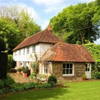 Idyllic 18th Century Period Cottage with Stream