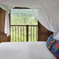Waterfall Treehouse cabins