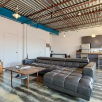Huge Converted Loft w/ Parking