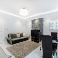 Sloan Square Rosemoor Apartment