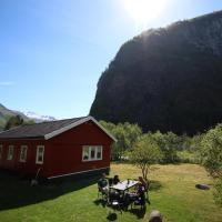 Steinshølen Holiday Home