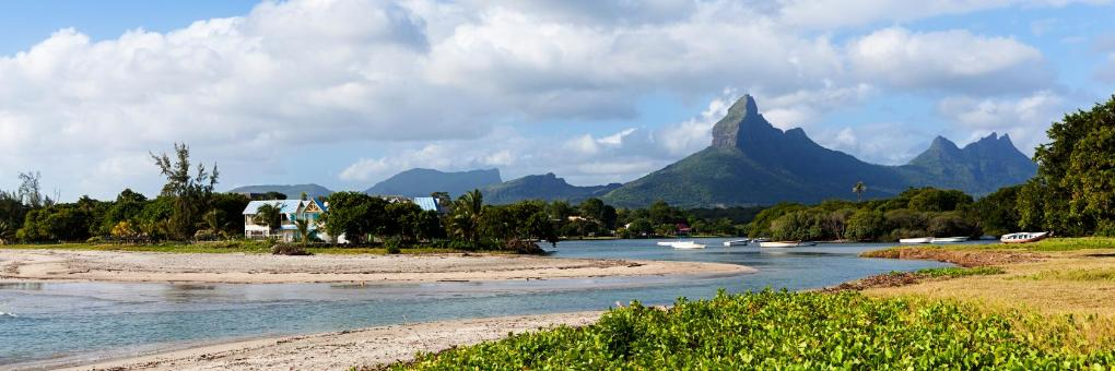 Encuentra el mejor lugar para pasear por la costa en Tamarin