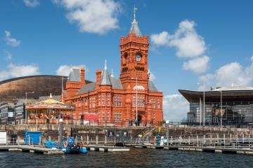 Cardiff: Car rentals in 4 pickup locations