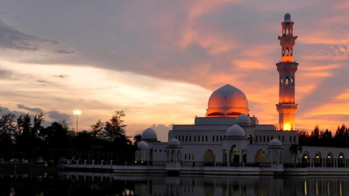 Encuentra el mejor lugar para pescar en alta mar en Kuala Terengganu