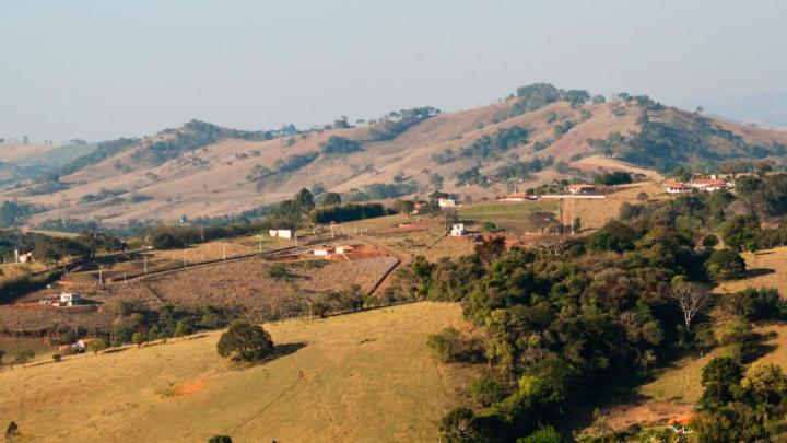 Encuentra el mejor lugar para el campo en São Thomé das Letras