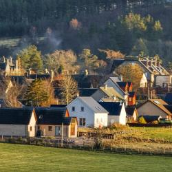 Tomintoul 24 hotels