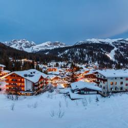 Madonna di Campiglio 128 pet-friendly hotels