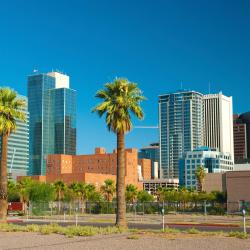 Phoenix 230 hotels with pools