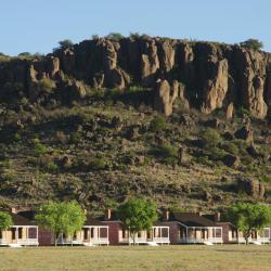Fort Davis 3 hotels