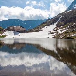 Colle del Gran San Bernardo 1 hotel