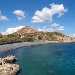 Μέγας Λιμνιώνας 7 ξενοδοχεία