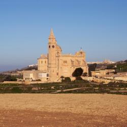 Għarb 65 hotels