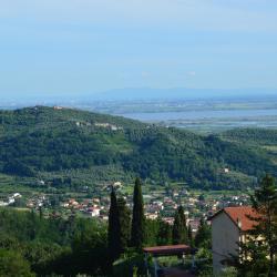 Corsanico-Bargecchia 86 hotel