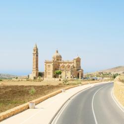 Għasri 34 viešbučių