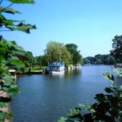 Streatley 3 hotels