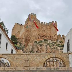 Almansa 3 hotels
