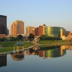 Dayton 32 hotels