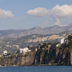 Sant'Agata sui Due Golfi 143 hoteller