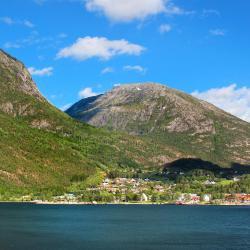 Kinsarvik 6 hotels