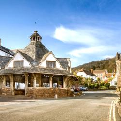Dunster 4 hotels with pools