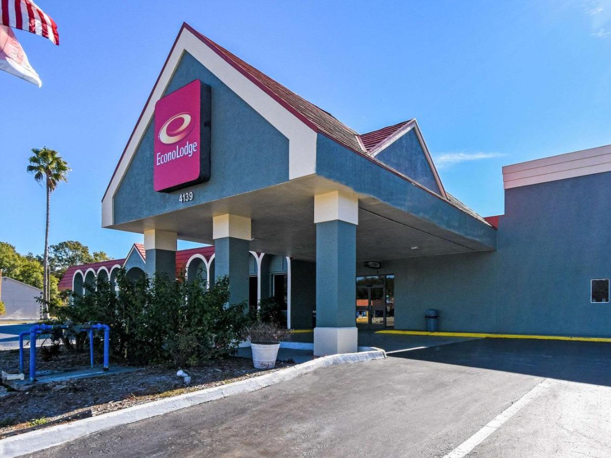 1020 Verified Hotel Reviews of Econo Lodge Busch Gardens