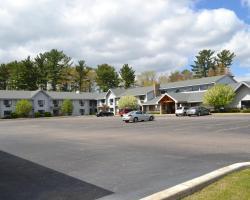 Cobblestone Hotel & Suites Wisconsin Rapids