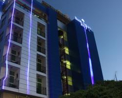 Blue Birds International Hotel