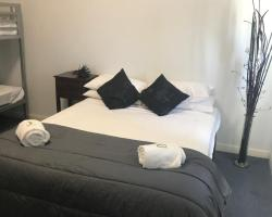 Tin Can Bay Budget Accommodation