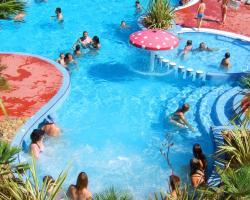 Grand Bleu Vacances – Camping Résidence Les Pescalunes