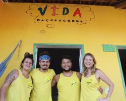Vida Backpackers & Bar