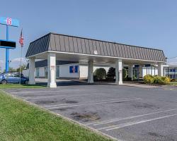 Motel 6 Staunton