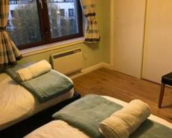 Edinburgh City Centre Old Town Holiday Apartment (Free Parking)