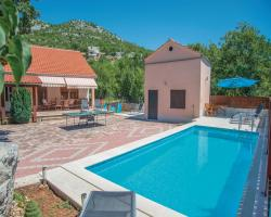Holiday home Zagvozd with Outdoor Swimming Pool 318