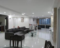 Luxury 3 Bedroom Posh Sukhumvit Apartment