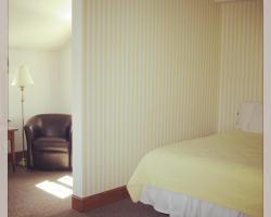 The Chatham Motel